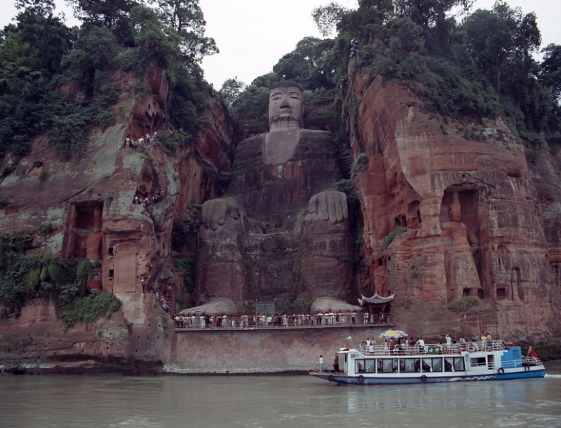 buddha, Leshan China 3.jpg